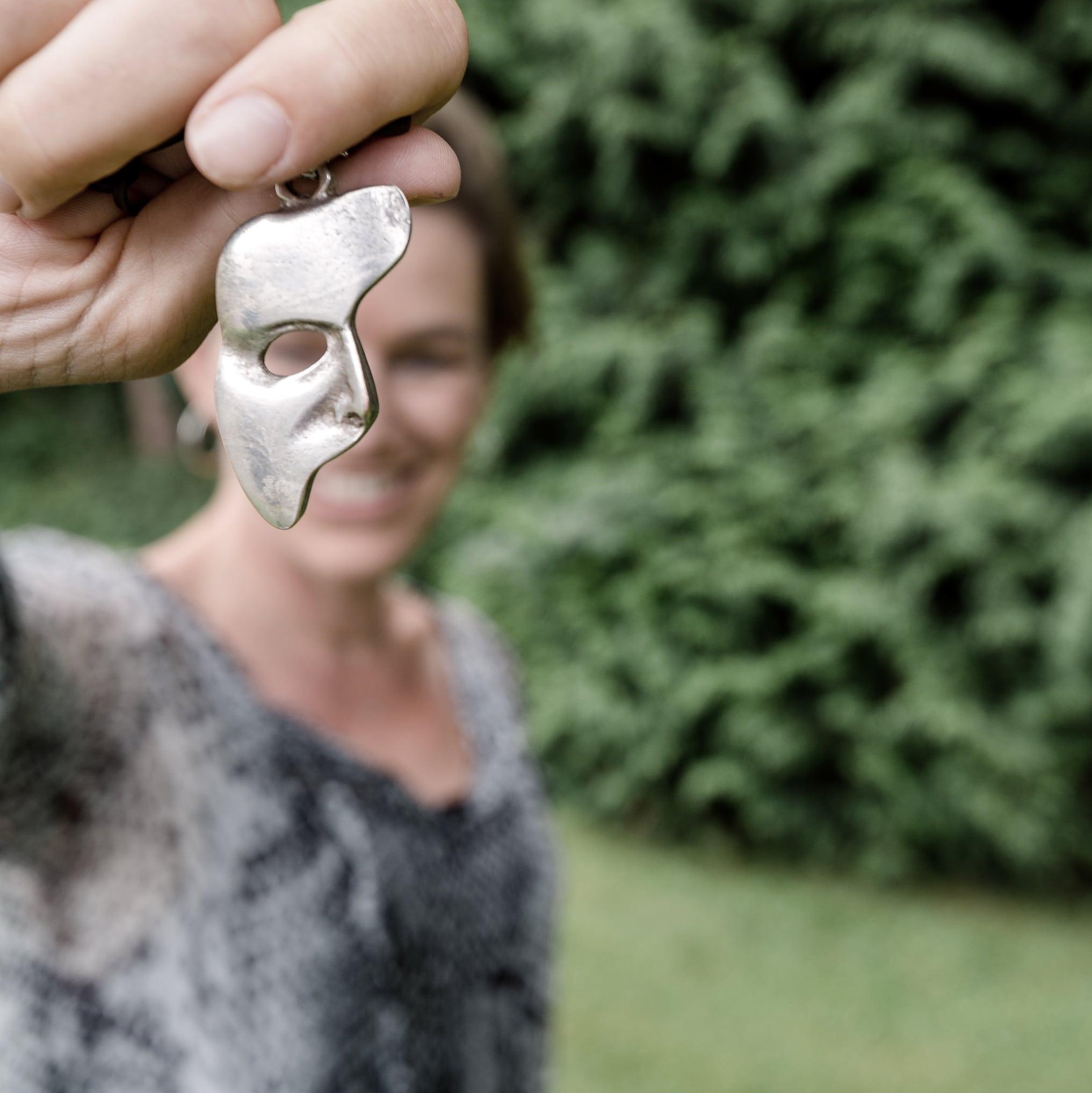 Anne Fierhauser Gesichtleserin